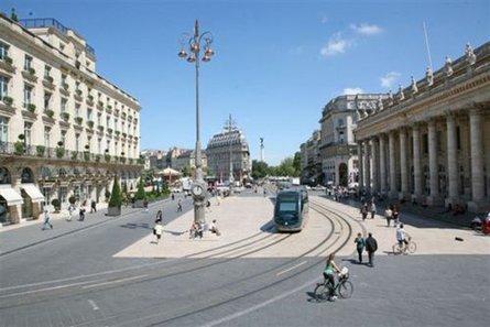 Prix des différents quartiers de Bordeaux intra muros, établis suivant les prix réels de transactions (notaires 2014)